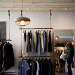 eleganckie włoskie stojaki odzieżowe